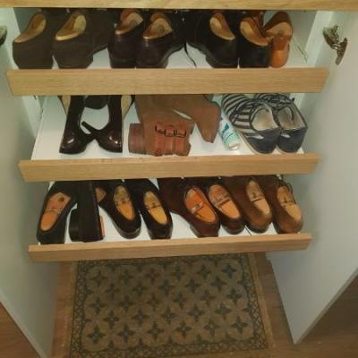 Placard bas range chaussure en mélaminé Blanc et Chêne massif