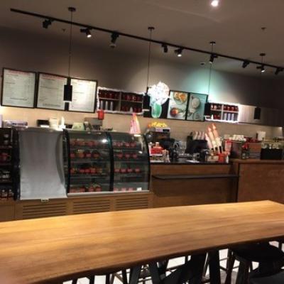 Starbucks So Ouest à levallois