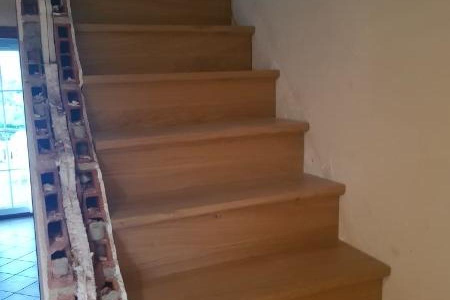 Escalier à quart tournant sur mesure réalisé en chêne massif